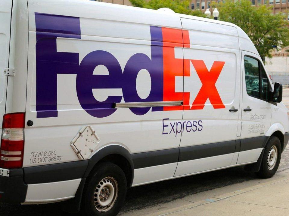 Image principale article - livraison-choisir-son-livreur-de-colis-! - camion fedex